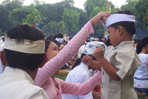 Balinese society is based on a strong patriarchal system. Son inherits everything, wealth, debt, religious and social obligations, family temple, and of course obligation to perform cremation ceremony for his parents.