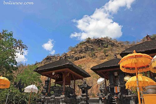 kerta-kawat-temple2