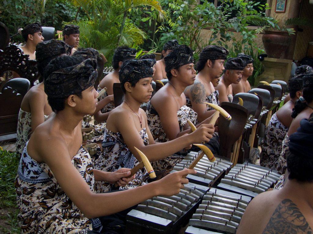 rare-balinese-court-music