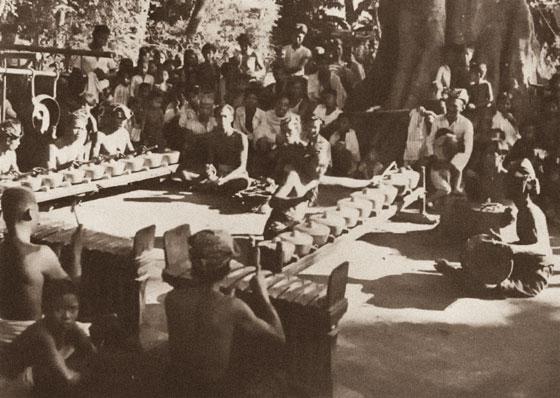 Gamelan-Gong-Kebyar2